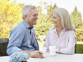 beltone-ally-couple-drinking-coffee
